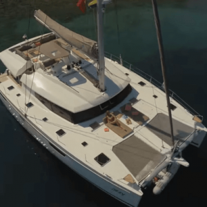 fountaine pajot ipanema 58 with sails down